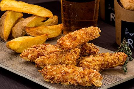 nuggets de pollo coroko solos o como complementos el menú coroko con hamburgues o pollo a la brasa cuando sales a comer o cenar en gandia