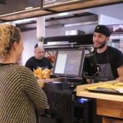 Coroko restaurante pollo asados, hamburguesas y poké en Gandia